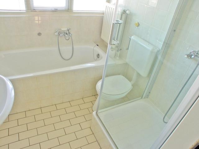 badkamer douchen in bad: een veilige u comfortabele aangepaste, Badkamer