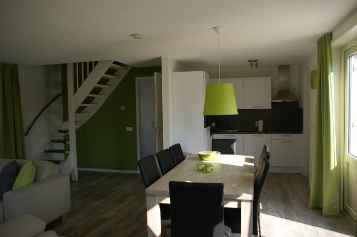 Home vakantiewoningen krokus 14 breskens verhuurcentrum breskens nl - Eethoek in de keuken ...